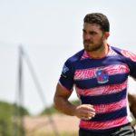 Rejoins nous : Joueur d'Esprit Sud Sevens en pleine action lors d'un match de Rugby à 7