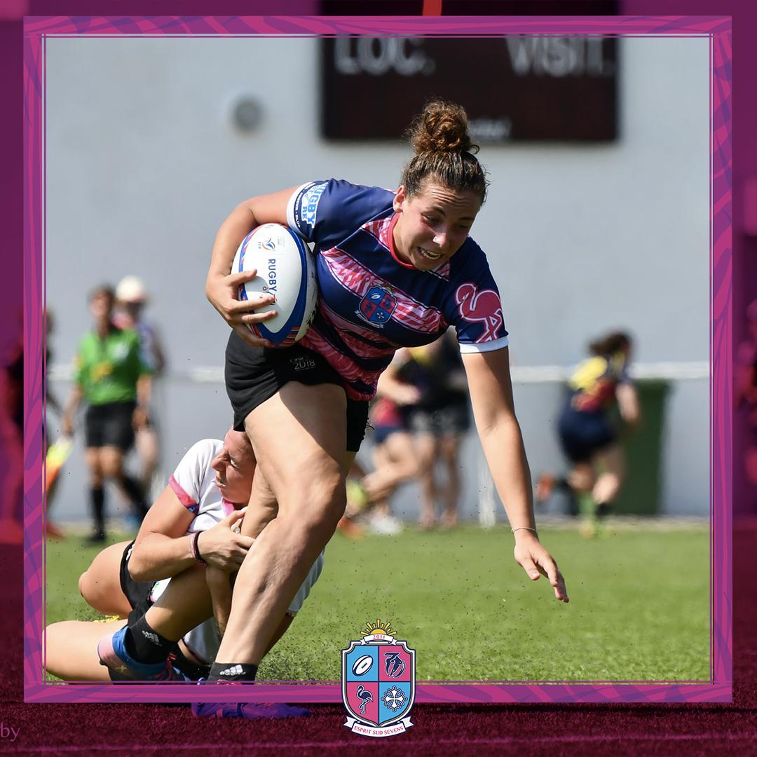 Image de Célia Roué, Joueuse à Esprit Sud Sevens, En pleine action lors d'un match de rugby à 7, pour illustrer son portrait
