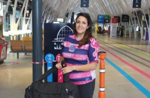 Pascale Armijo, membre active dans l'association de rugby à 7 Esprit Sud Sevens, en action sur un tournoi Esprit Sud Sevens