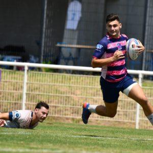 Rejoins nous : Joueur de l'équipe de Rugby à 7 de l'association Esprit Sud Sevens en pleine action lors d'un match de Sevens